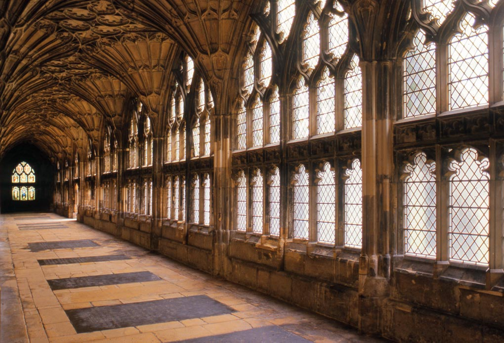gloucester_cathedral_cloisters.jpg