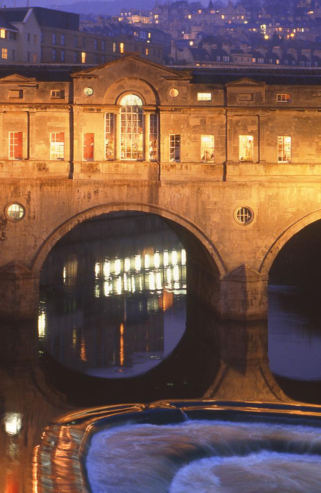Pulteney Bridge, Bath, Avon.