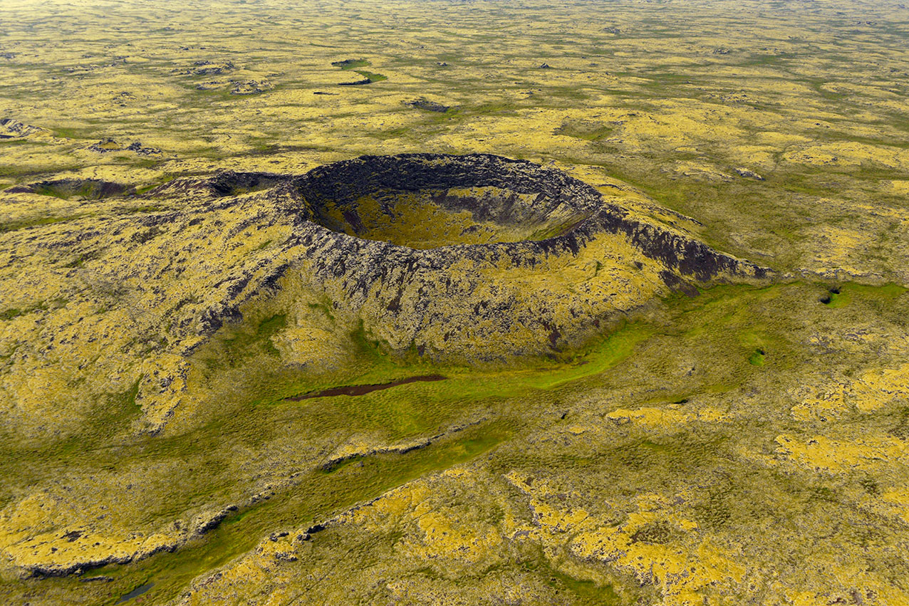 crater_iceland_green.jpg