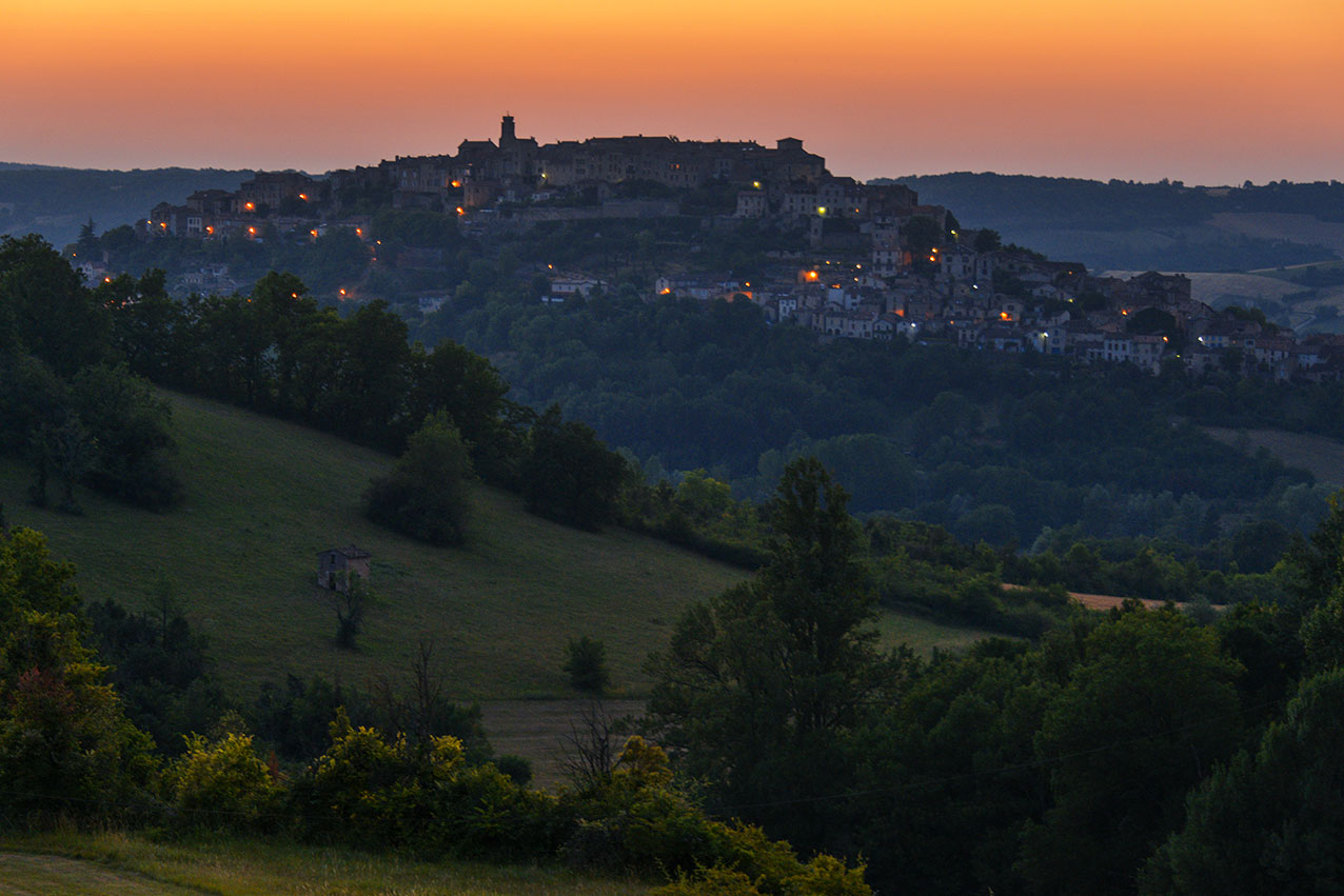 Sunset over Cordes, seen from the road to Sarmazes
