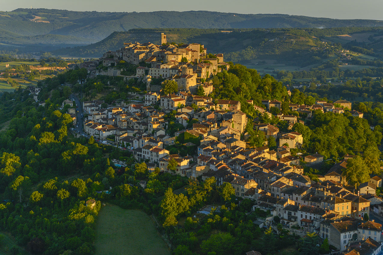 Cordes at dawn viewed from a balloon