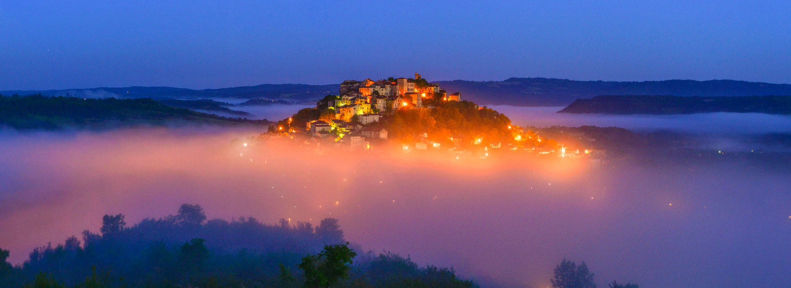 A pre-dawn panorama of Cordes from Le Grain de Sel