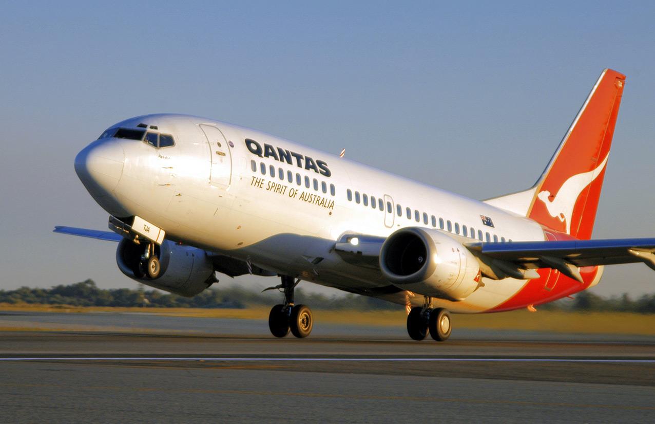 Qantas Boeing 737 at rotation