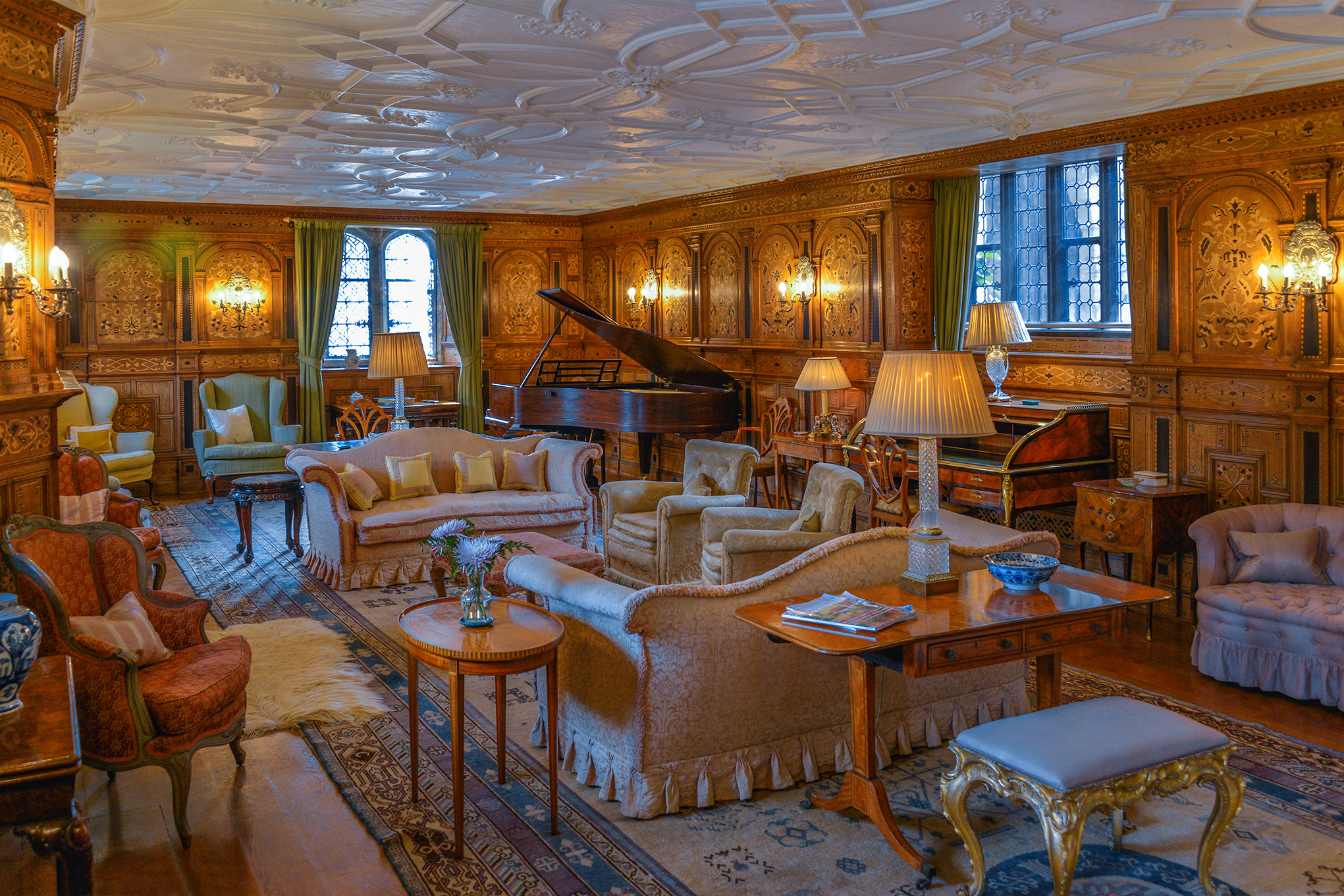 hever_castle_drawing_room.jpg