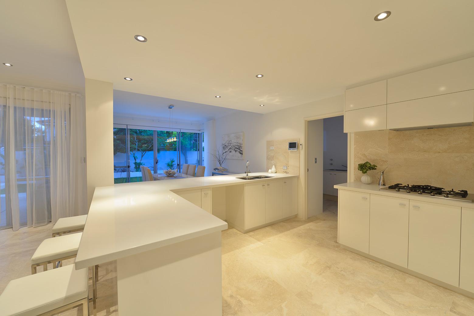 kitchen_c.jpg