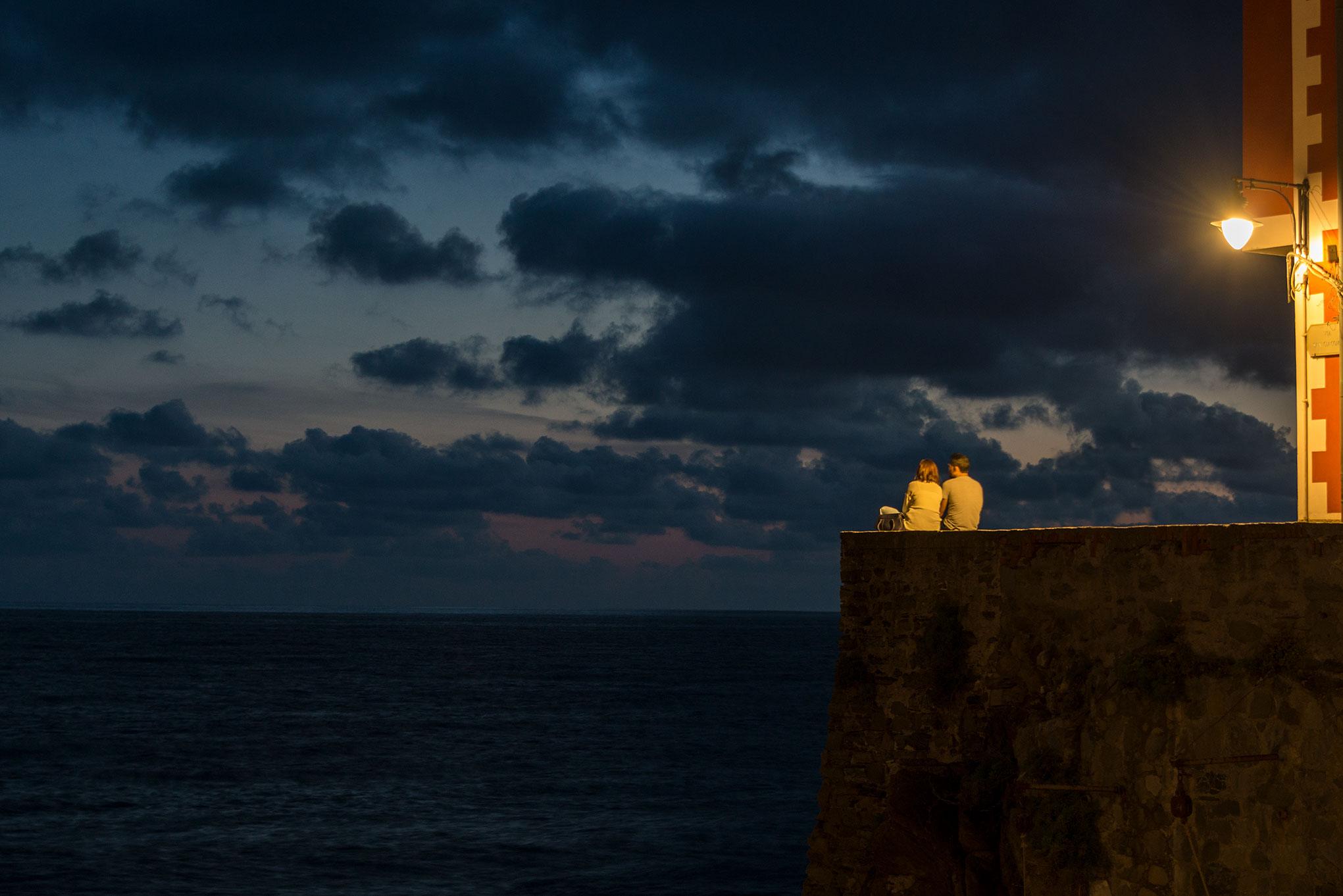 Couple at sunset, Riomaggiore