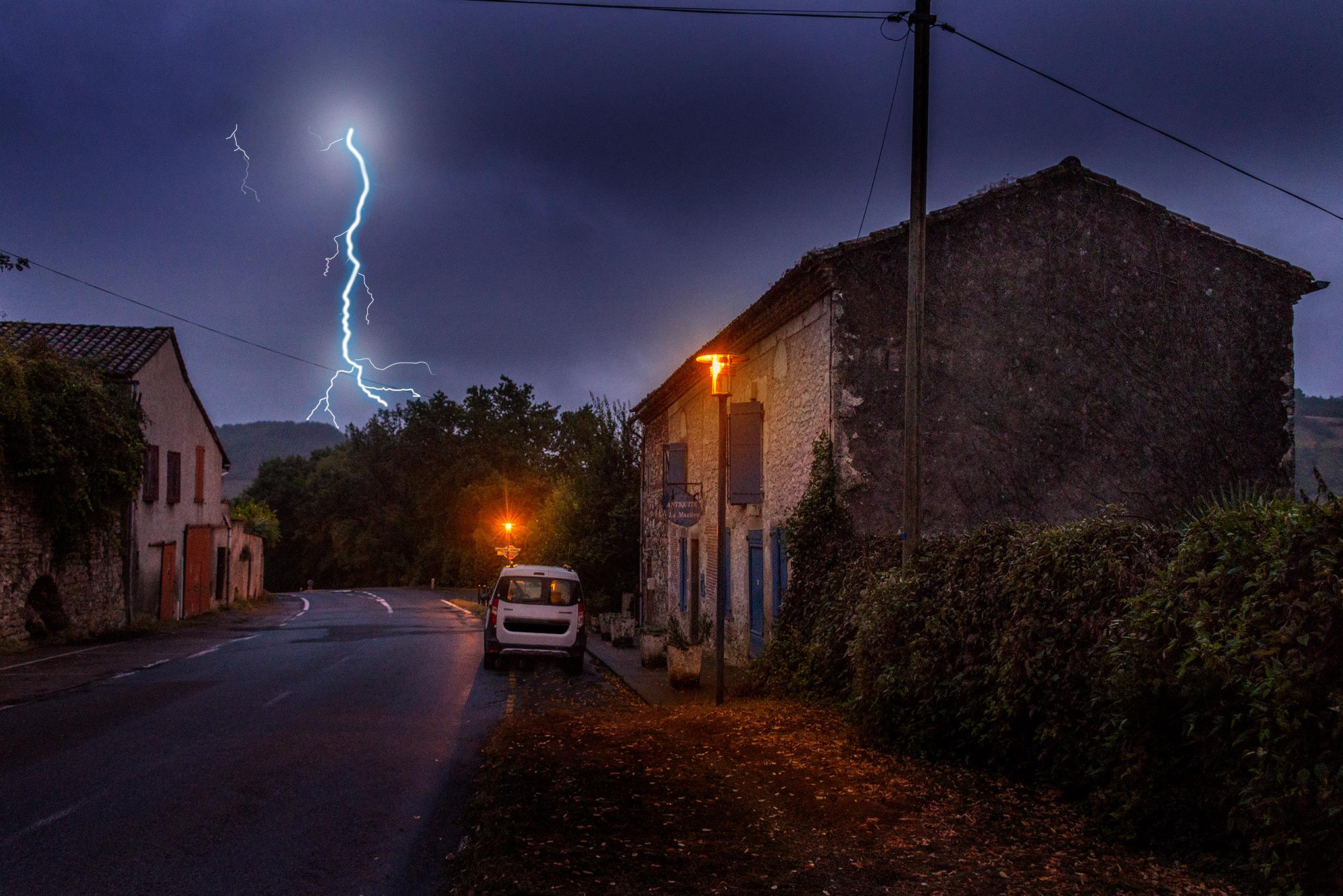 brocante_lightning.jpg