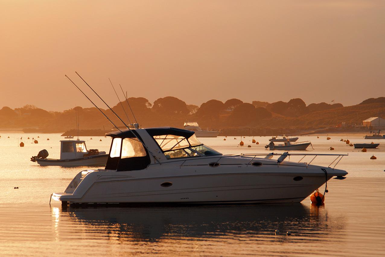 yacht_sunrise_rotto.jpg