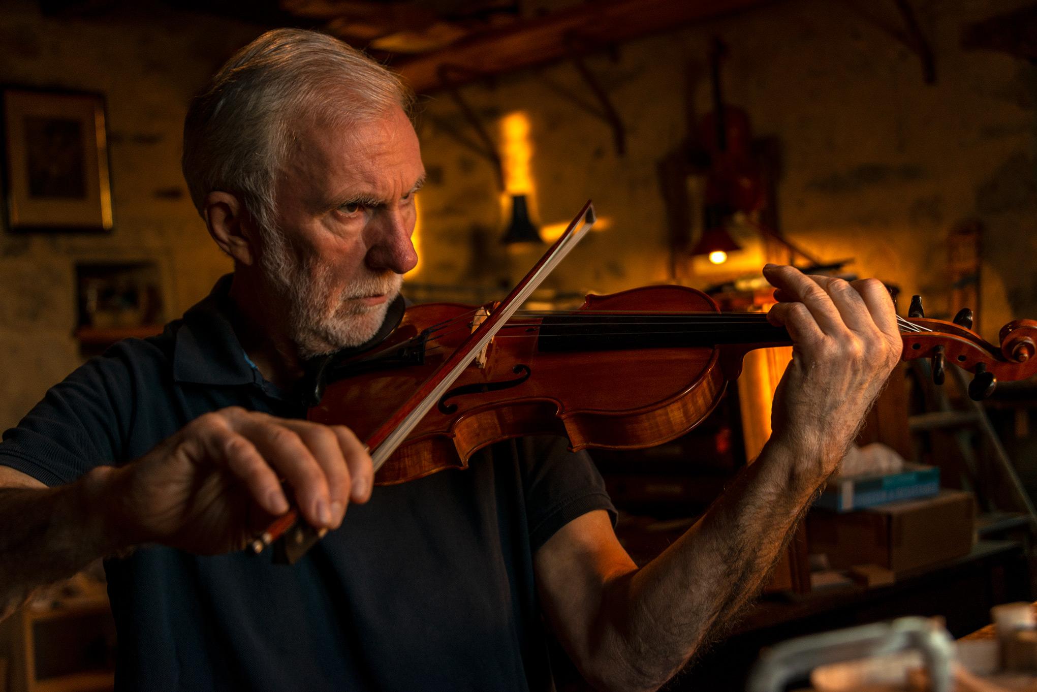 Christian Urbita - French Luthier (violin maker)