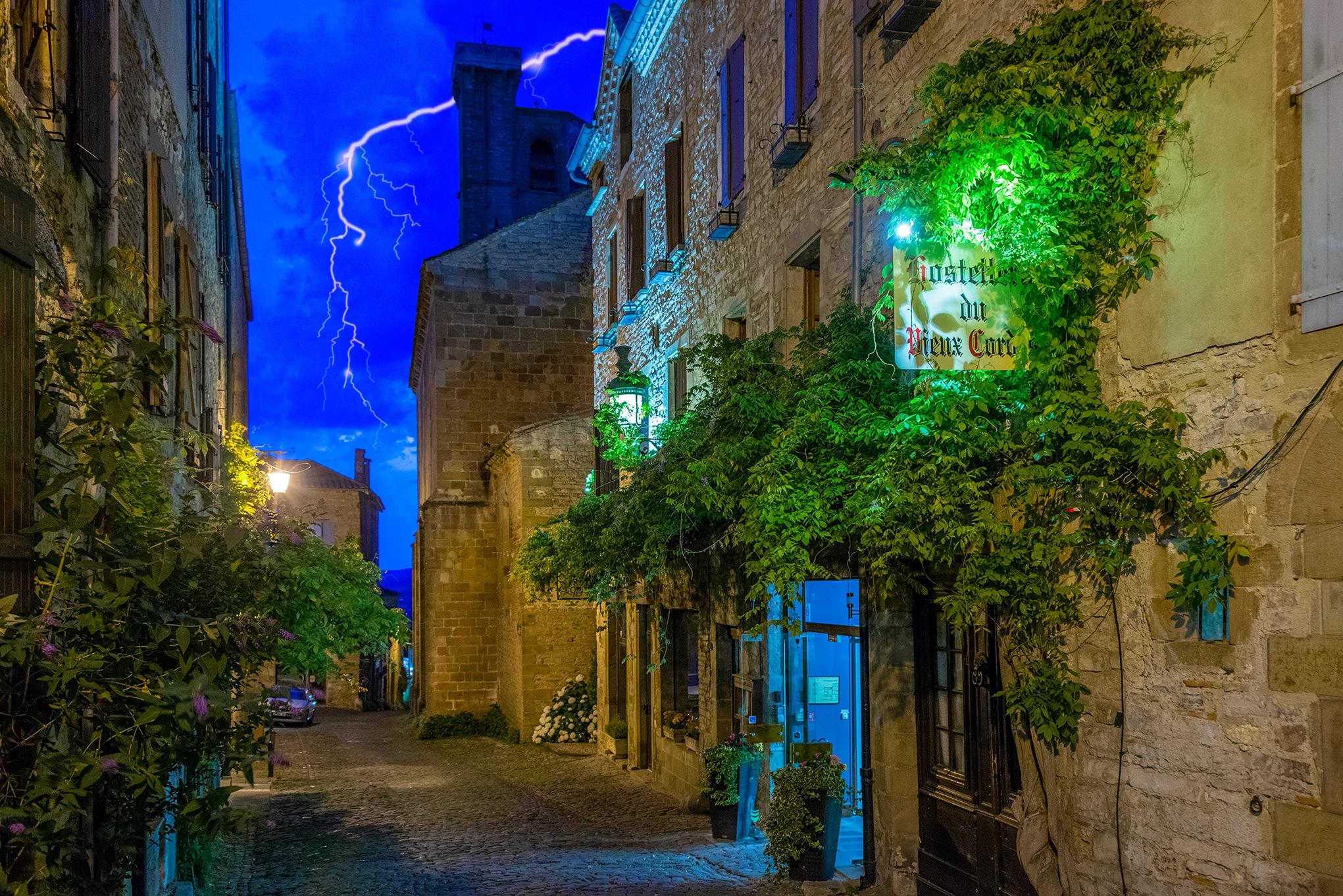hotel_lightning.jpg