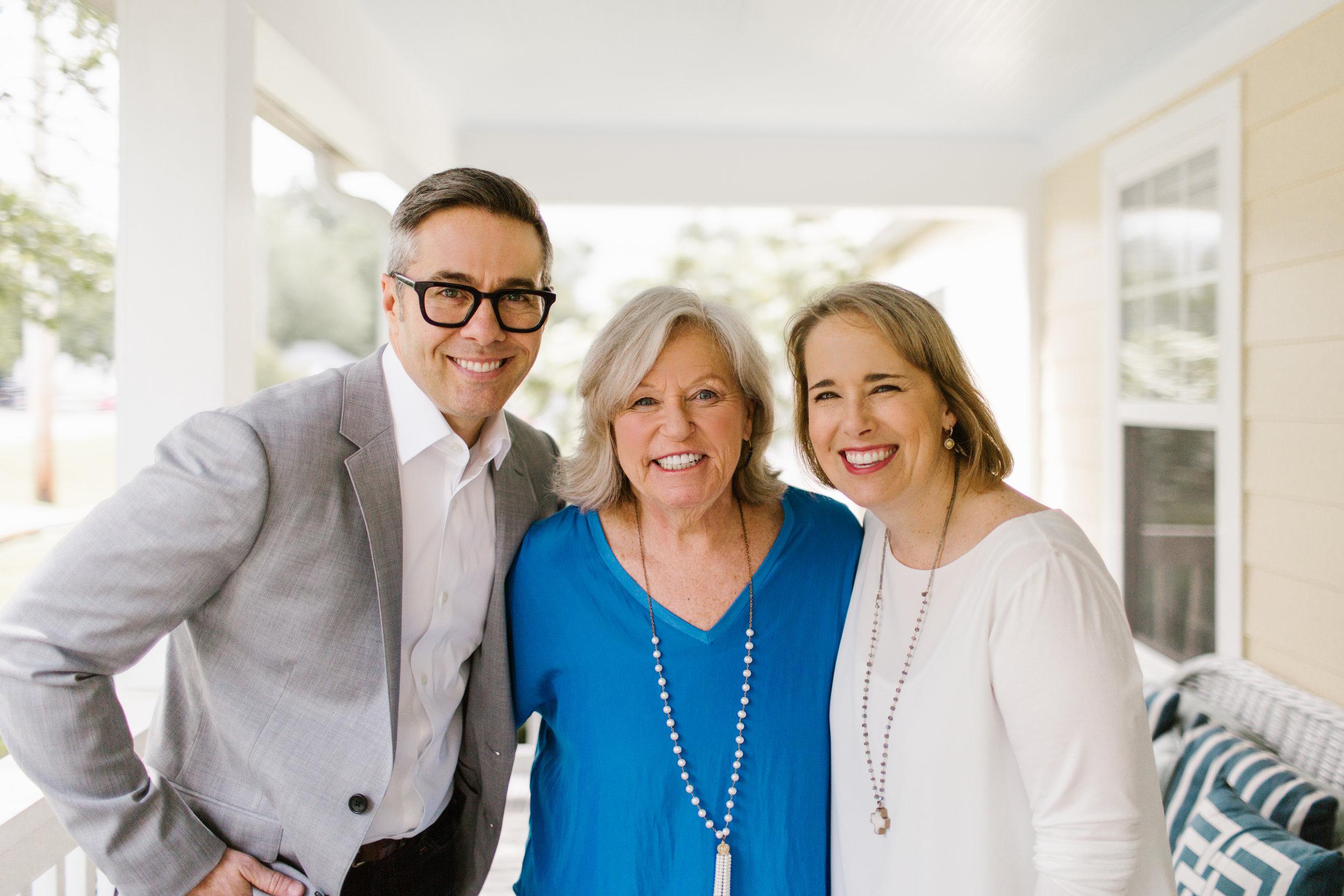 David, Melissa, & Sissy Horizontal Press Photo