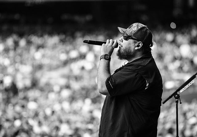 Unbelievable having the opportunity to capture @lukecombs in #Atlanta today with @jasonaldean @hootieofficial and @laurenalaina. #lukecombs