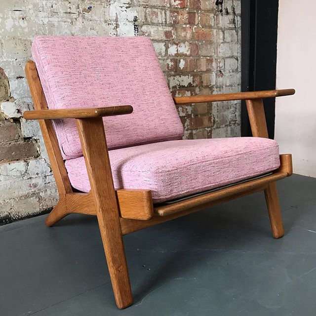Right in time for fashion week I've had the pleasure of using some of the Raf Simons fabric that was designed for @kvadrattextiles. It was ear marked for this stunning @hans.wegner plank chair. What a great colour! Sofa to follow!