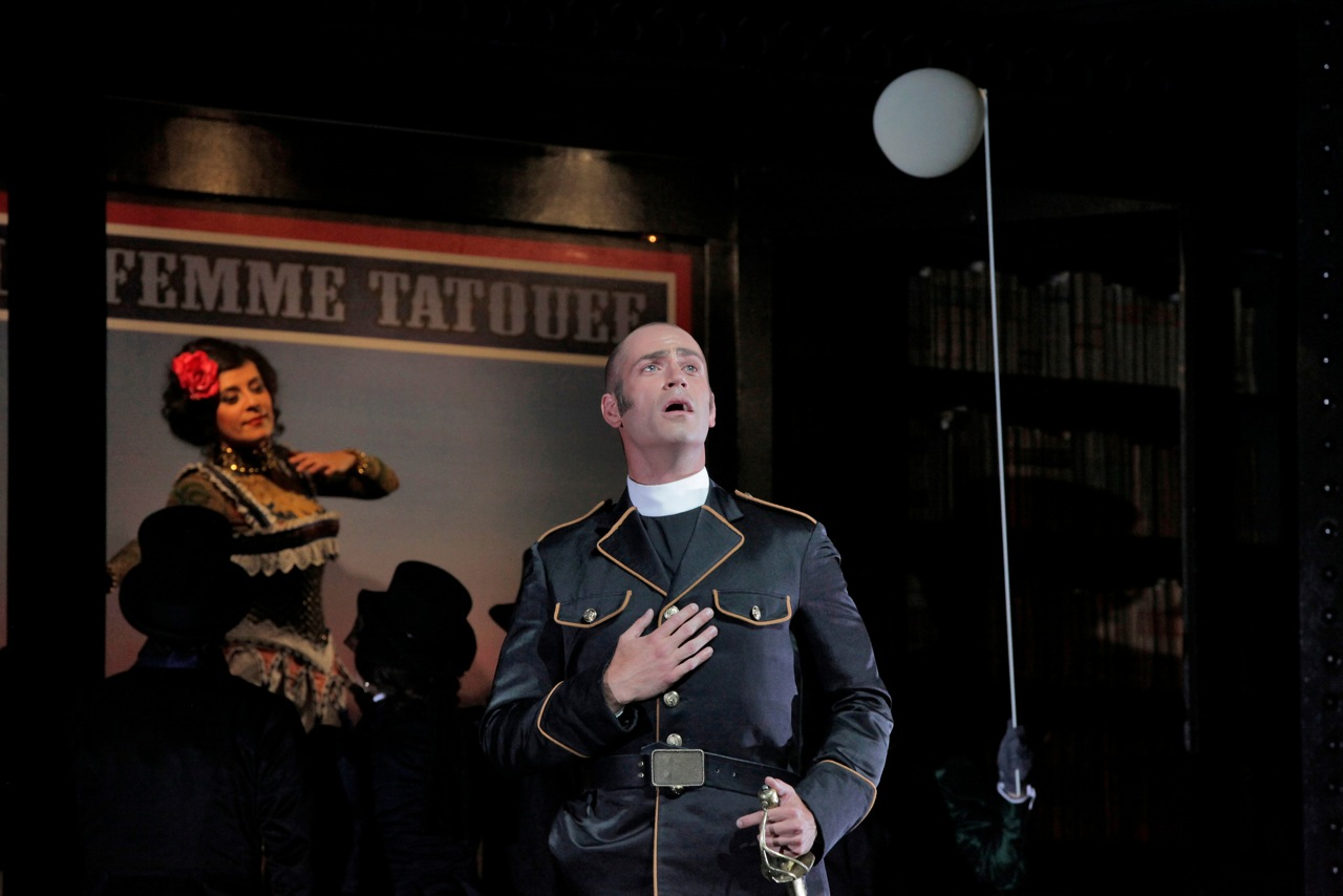<i>Faust</i> / Santa Fe Opera / 2011