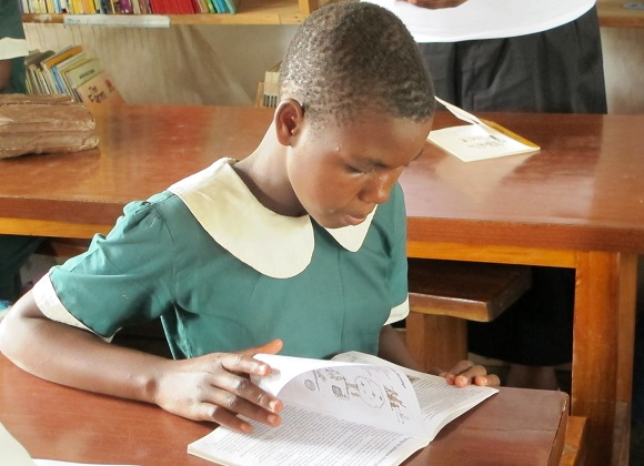 SING-COL-Malavi-school-near-Blantyre-Malawi.jpg