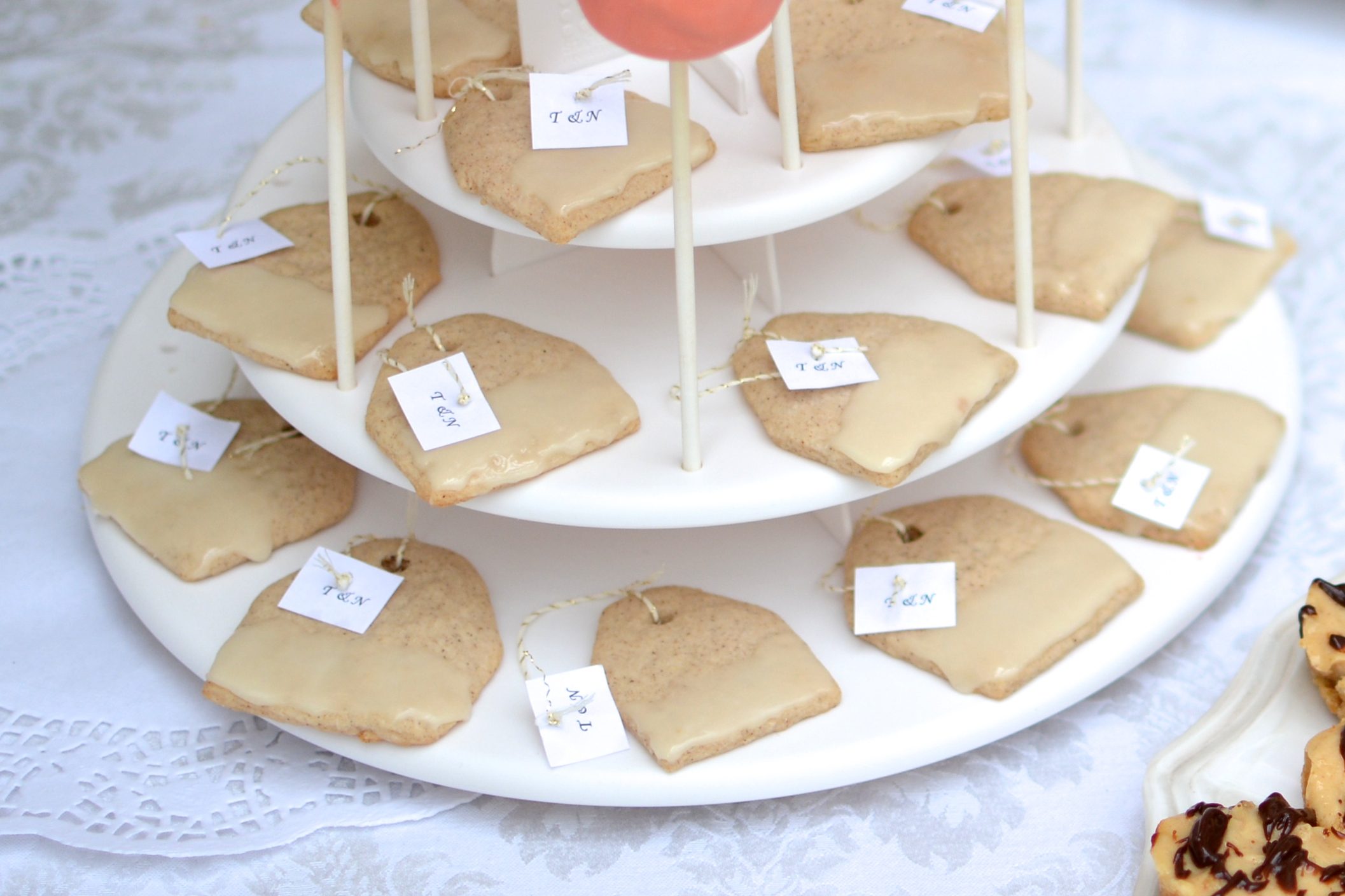 Tea Bag Spice Sugar Cookies with Honey Glaze / Sprinkled With Jules