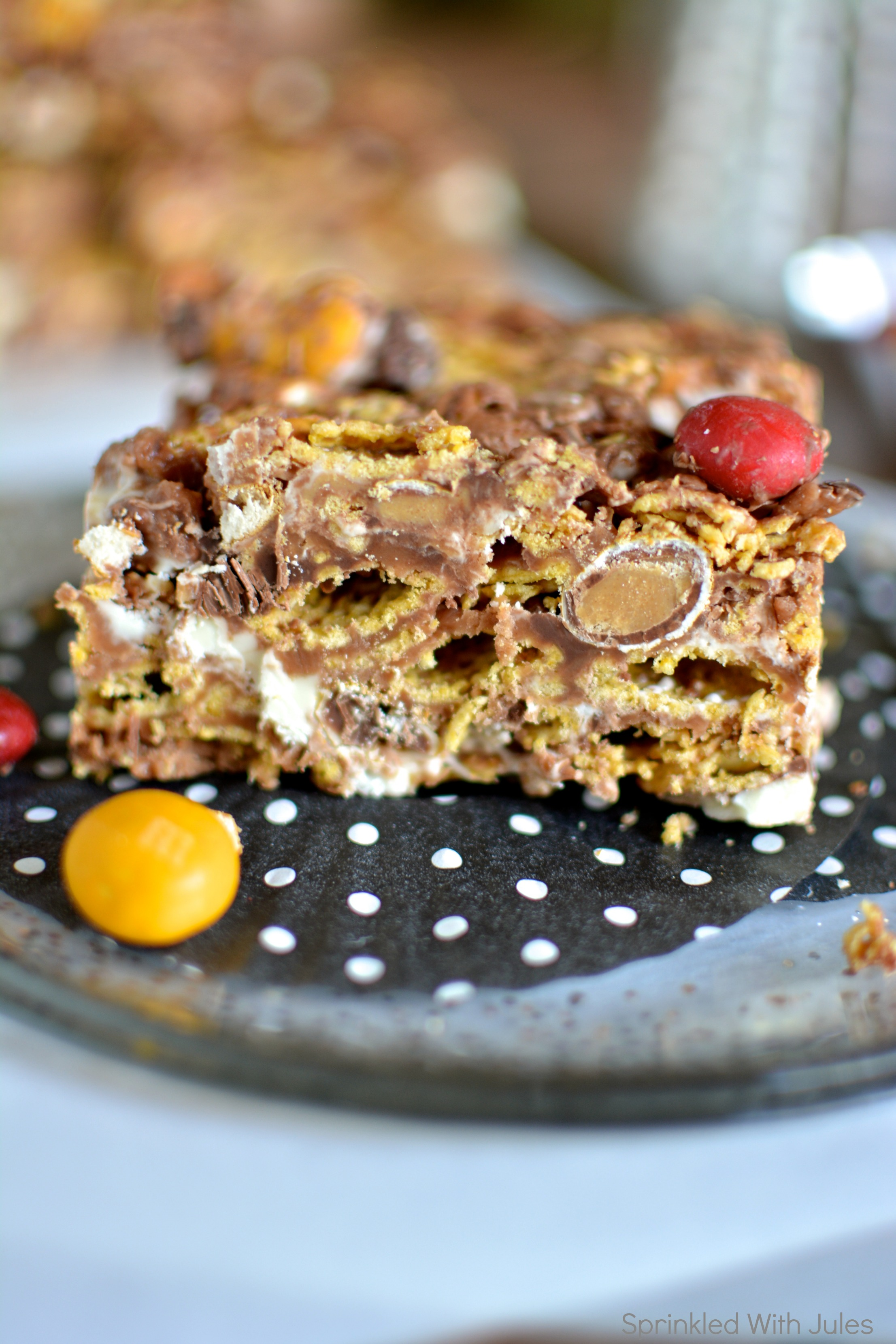 Muddy Buddy Bars. The delicious snack mix in bar form! / Sprinkled With Jules