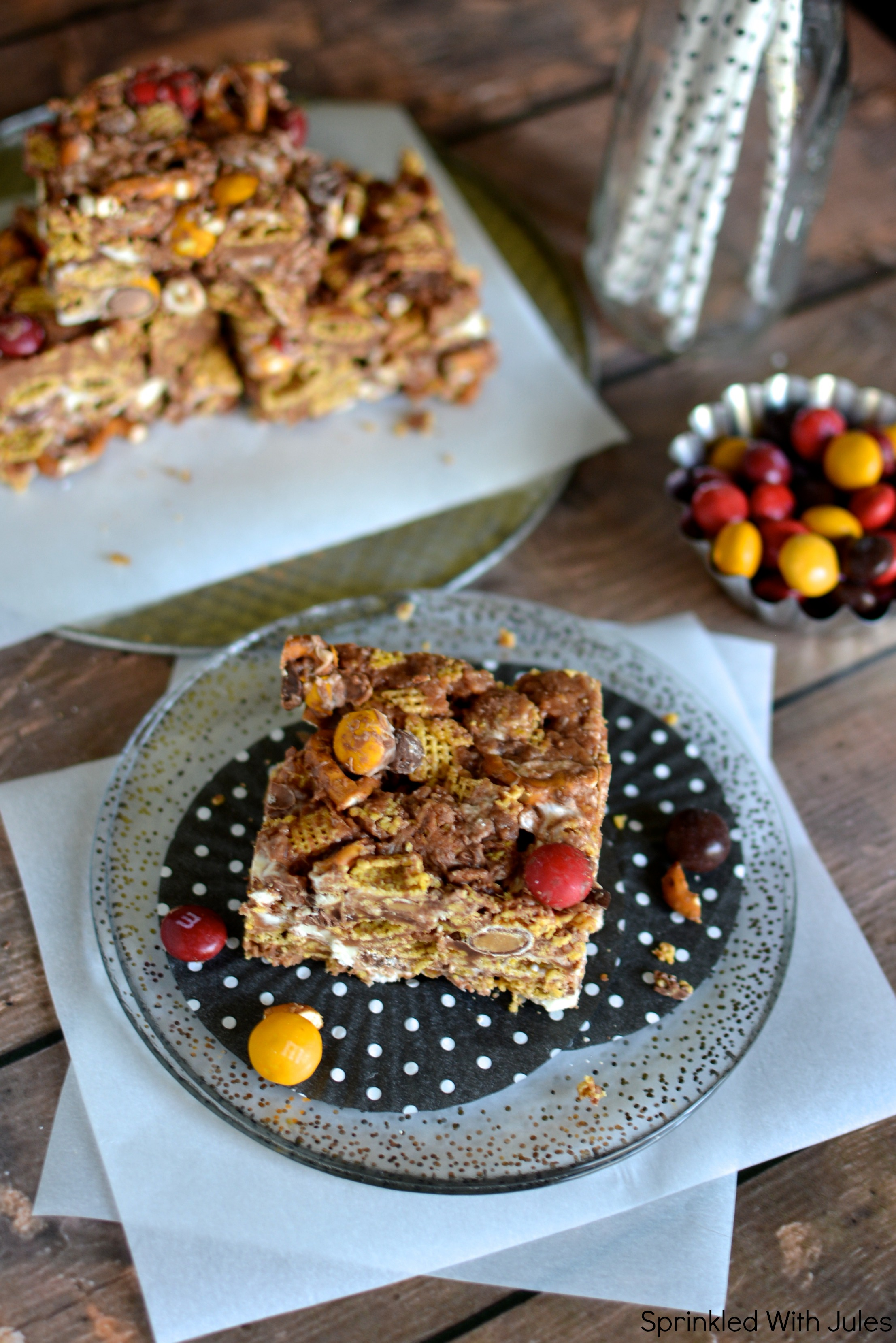 Muddy Buddy Bars. The delicious snack mix made into bar form! / Sprinkled With Jules