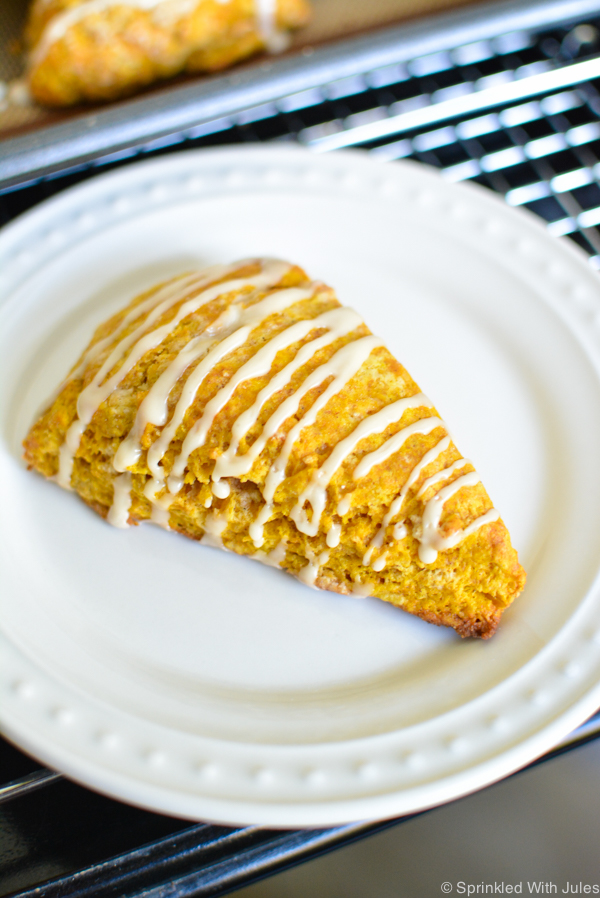 pumpkin spice scones with maple glaze. These scones are fall perfection!