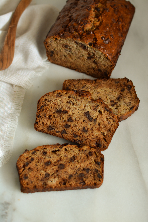 chocolate chip banana bread | sprinkledwithjules.com