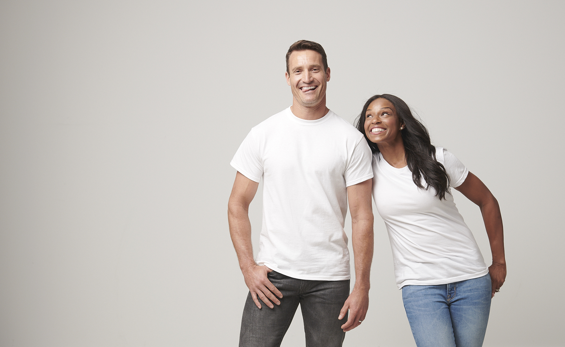 Basic_Shirt_White_Grouping_Regina_Simon_White_Wall_0731_WEB.jpg