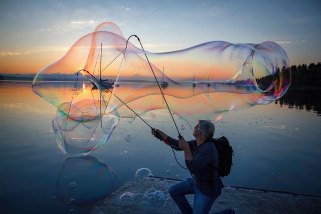 Bubbles on the Beach(David Welton).jpg