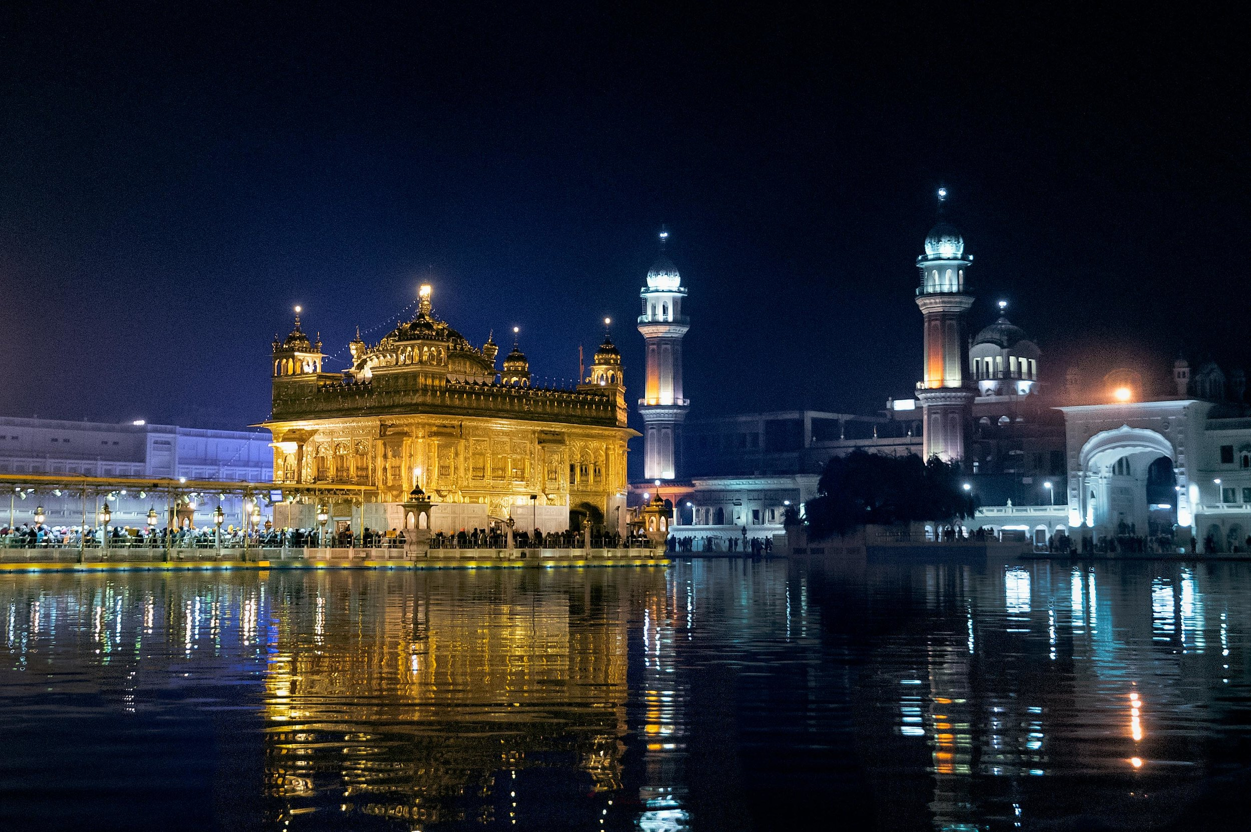 I parted with this holy place with another view of the Sri Harmandir Sahib. It's just so stunning.