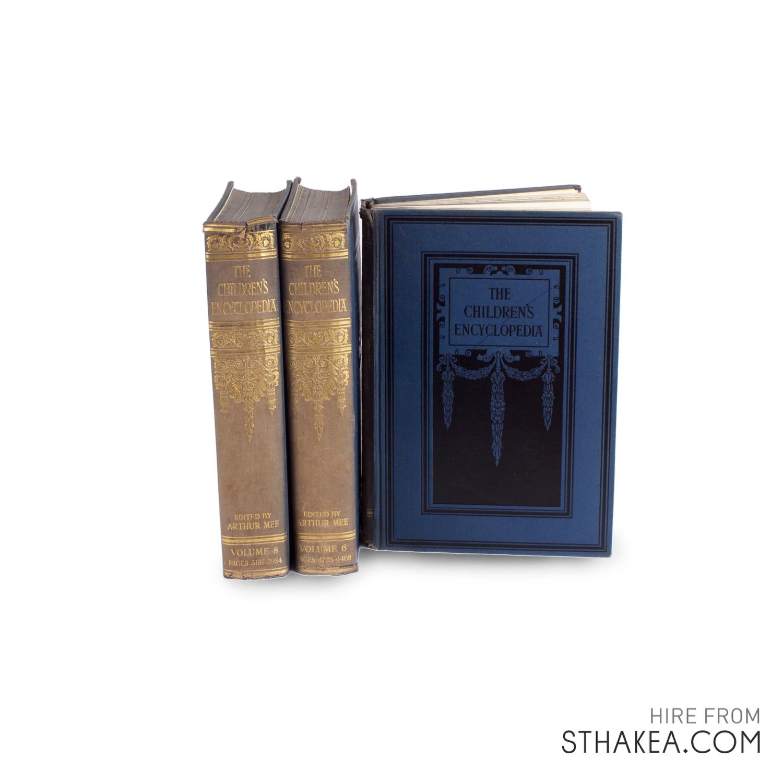 St-Hakea-Melbourne-Event-Hire-Vintage-Encyclopedia-books.jpg