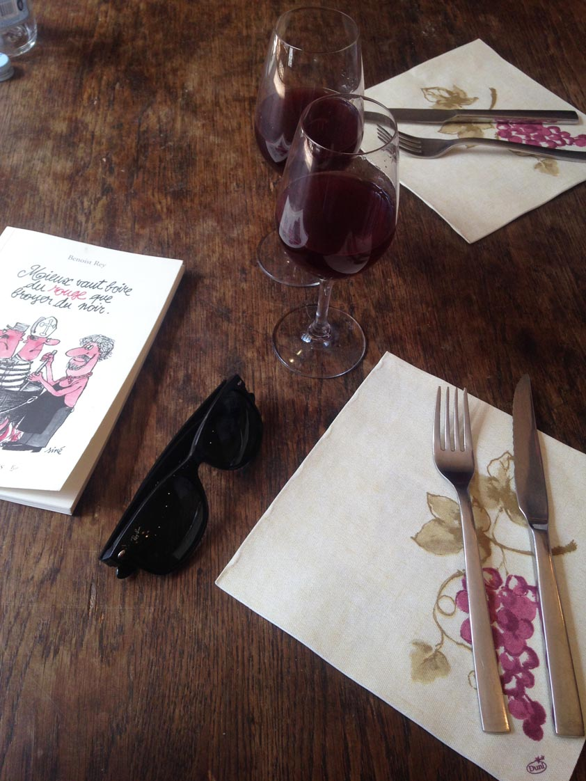 La Vie en Rouge   www.theflyingflour.com