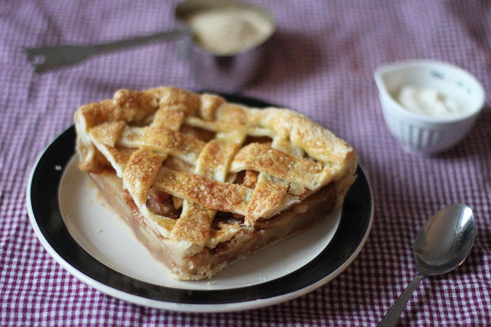 Apple Pie | www.theflyingflour.com