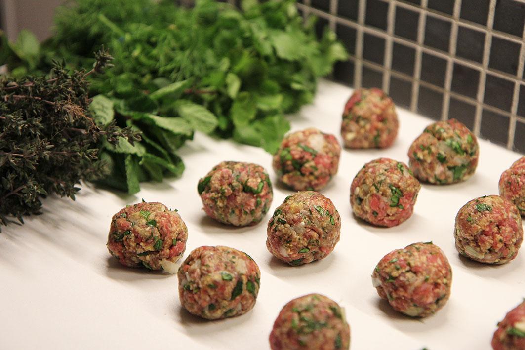 Boulettes de boeuf, fèves et citron | www.theflyingflour.com