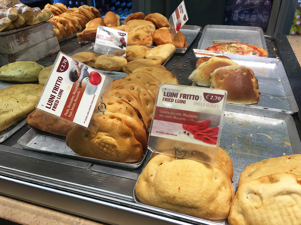 Les panzerottis de Luini, Milan | www.theflyingflour.com