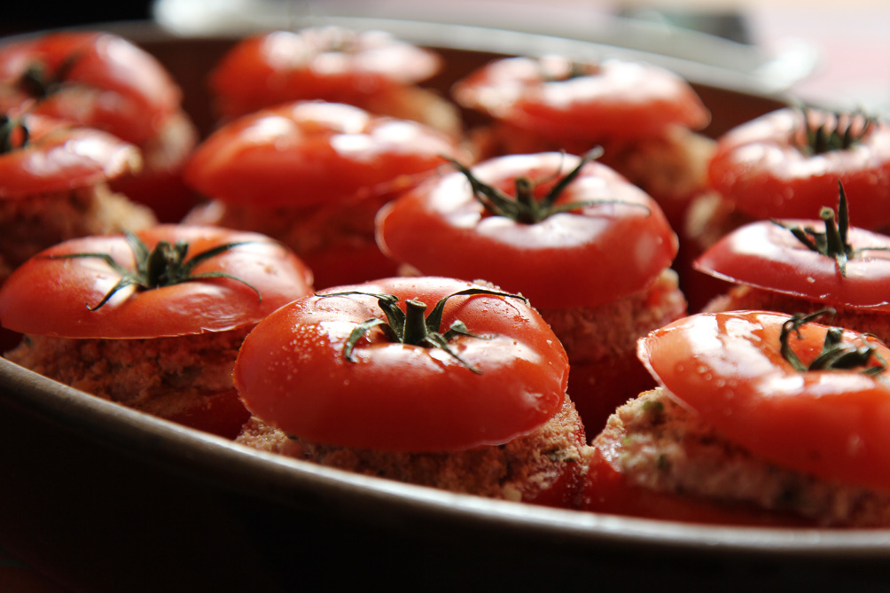 Tomates farcies   www.theflyingflour.com