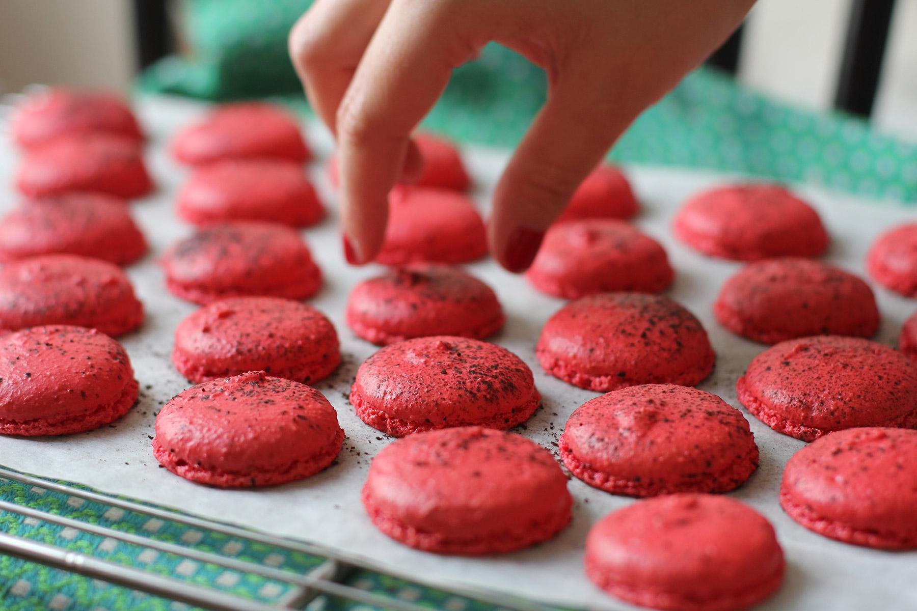 Macarons-choco-framboise_8240_OK-2.jpg