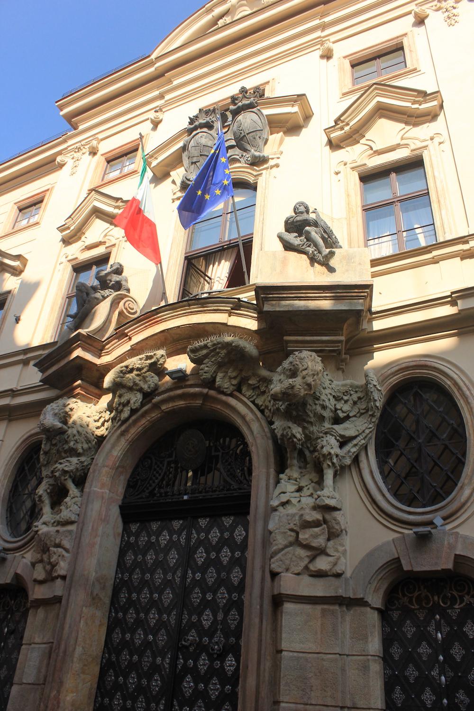 171106_Travelerose_Prague_Italian-Embassy.JPG