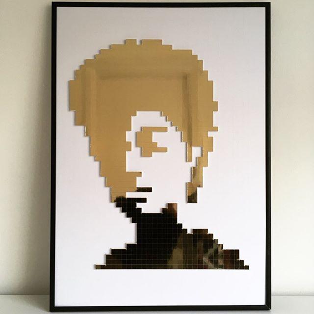 Just finished piece 3 of 3.😀 Showing @bettershared pop up gallery on Thursday 6th June. ———————— #gallery #popup #contemporaryart #goldart #cubicart #handmadeart #influencer #portraitpainting #portrait