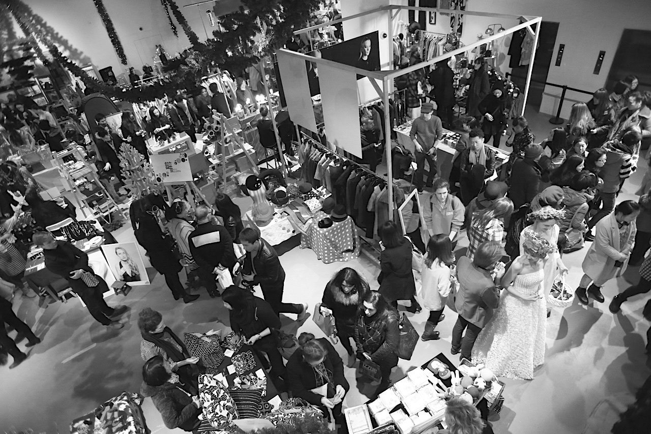 FESTIVALS    Space: 2000 - 3000 m2 -  Duration: 2 - 3 days / weekend - Guests : 2500 - 3500 attendees / day - Content: Concept Design & Visual Identity, Fashion Bazaar, Gourmet Sellers, Performances & Acts Art Interactions, Environmental Decoration, Alternative Content - Lectures, Cinema screening, Children's area, Workshops, Exhibitions.  See  VINTAGE CAROUSEL FEST.  -  VINTAGE ZOOFEST.  -  VINTAGE WINTER FEST .