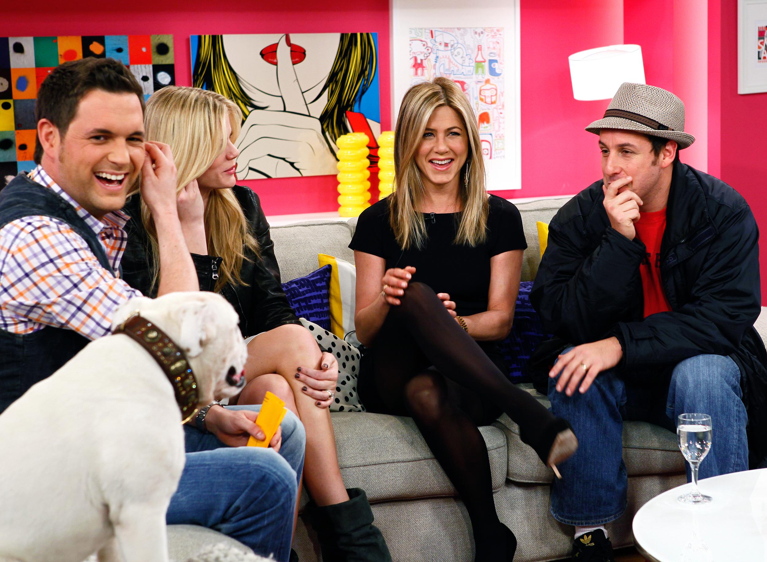 Ein Beispiel von unzähligen tollen Gästen in Deutschlands beliebtester Corning-Show: Jennifer Aniston und Adam Sandler....
