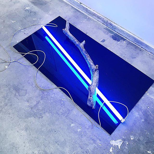 🥶 #color #light #line #seattle #seattleartist #art #blackmirror #form #blue #coldlight #sculpture