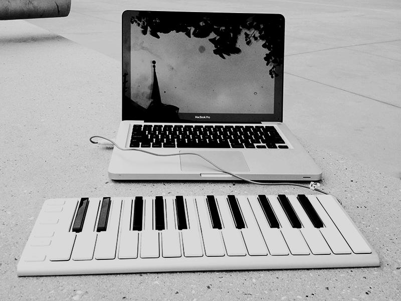 Xkey-laptop2.JPG