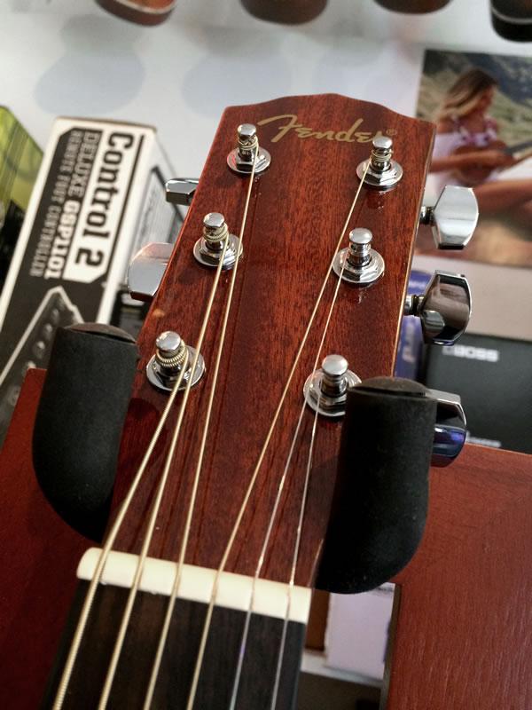 Fender CD-60 Nat 02.jpg