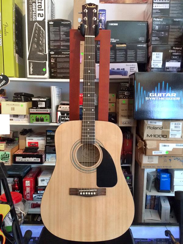 Fender FA-100 01.jpg