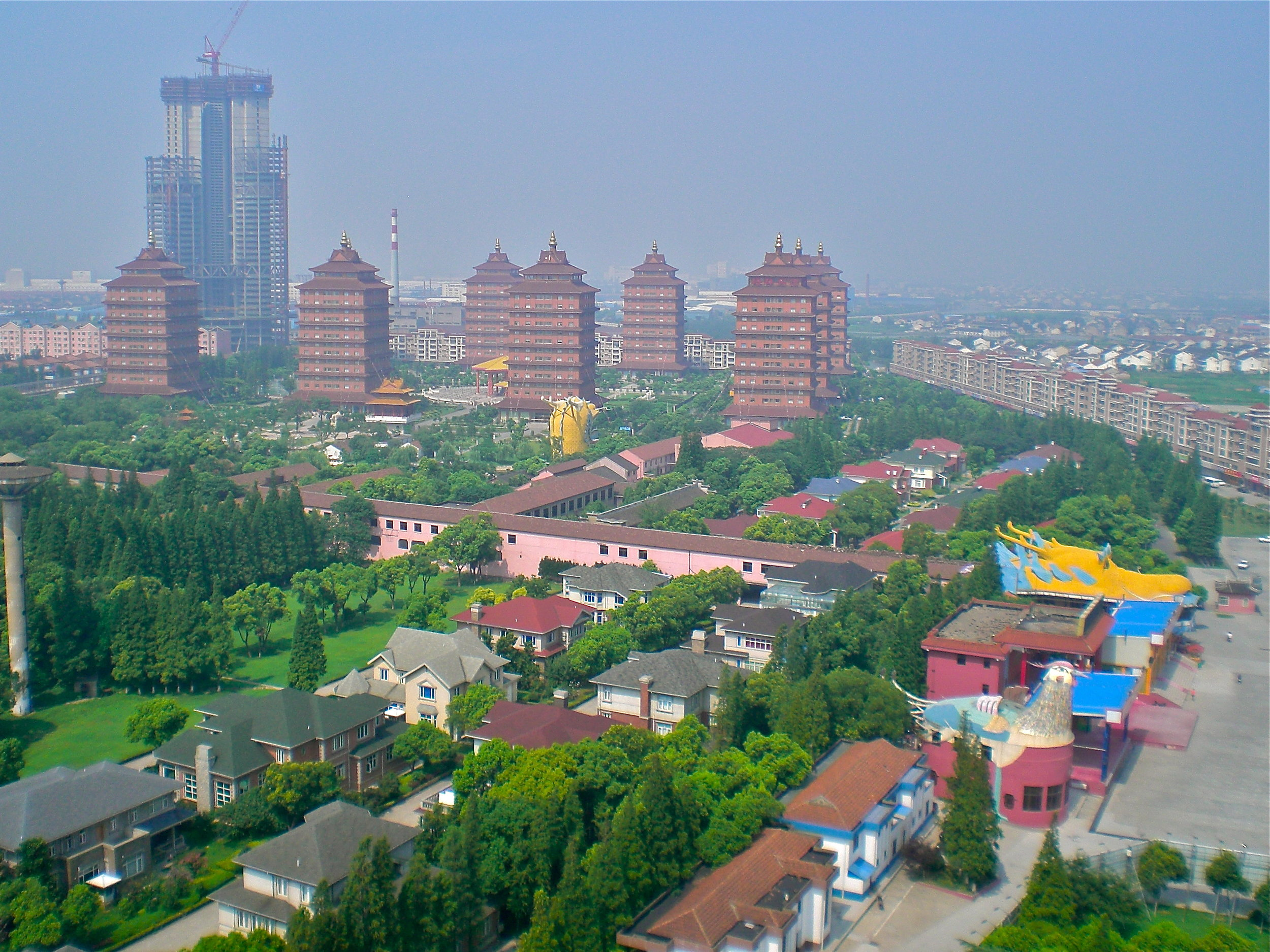 Huaxi, known as the richest town in China. (C) Remko Tanis