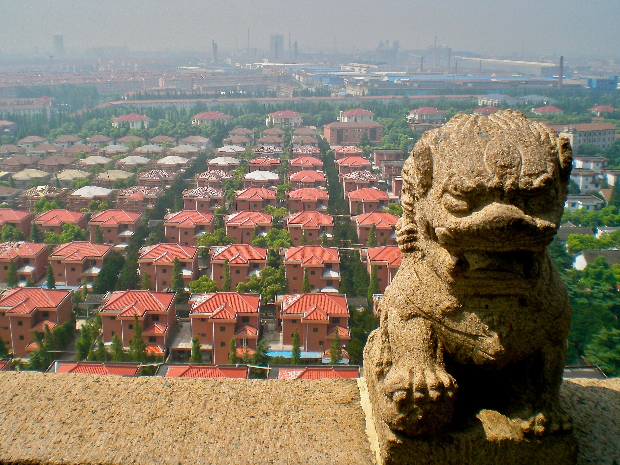 Huaxi, know as the richest town in China. (C) Remko Tanis