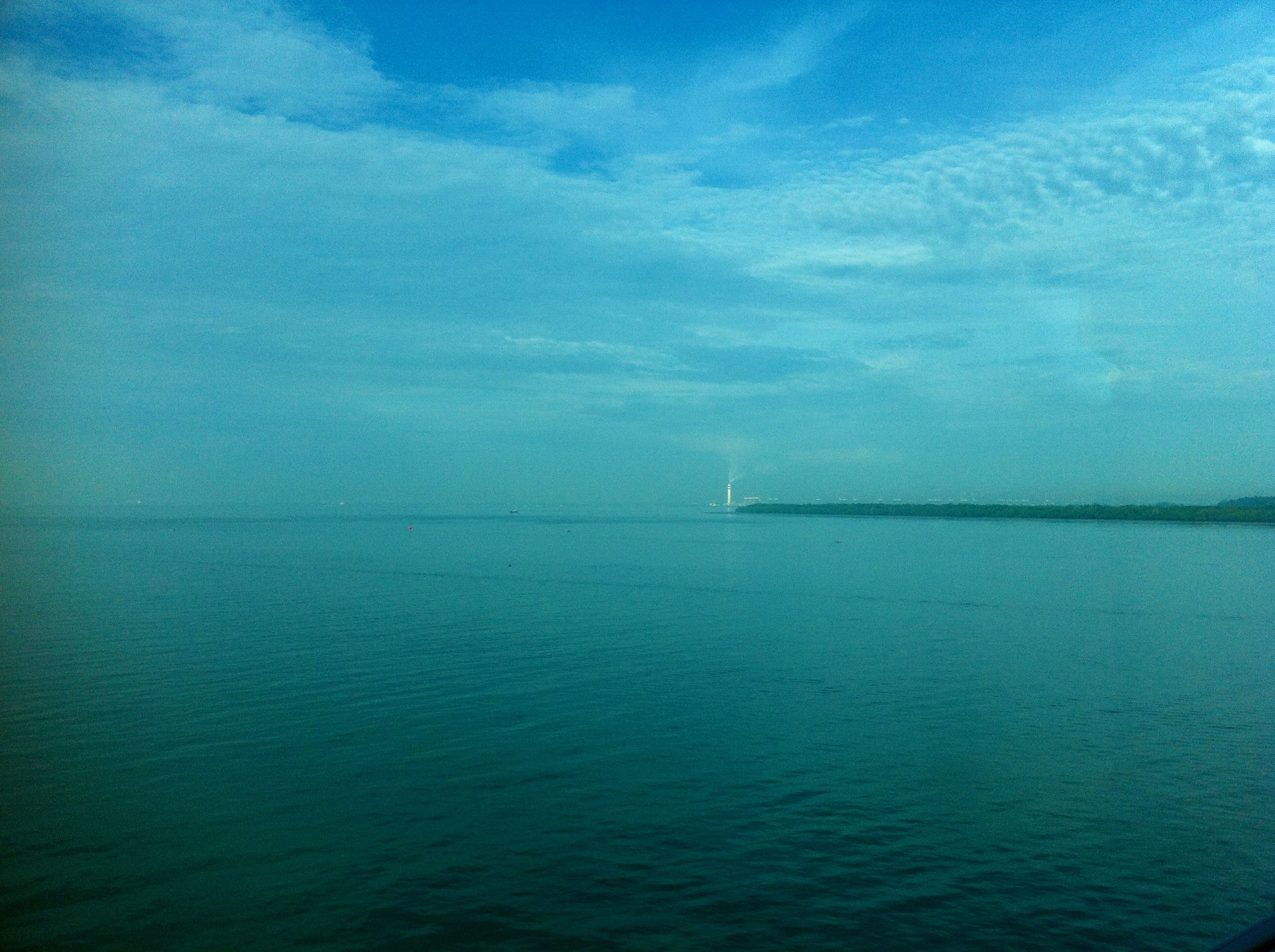 The Johor Strait separating Singapore and Malaysia. Photo: (C) Remko Tanis