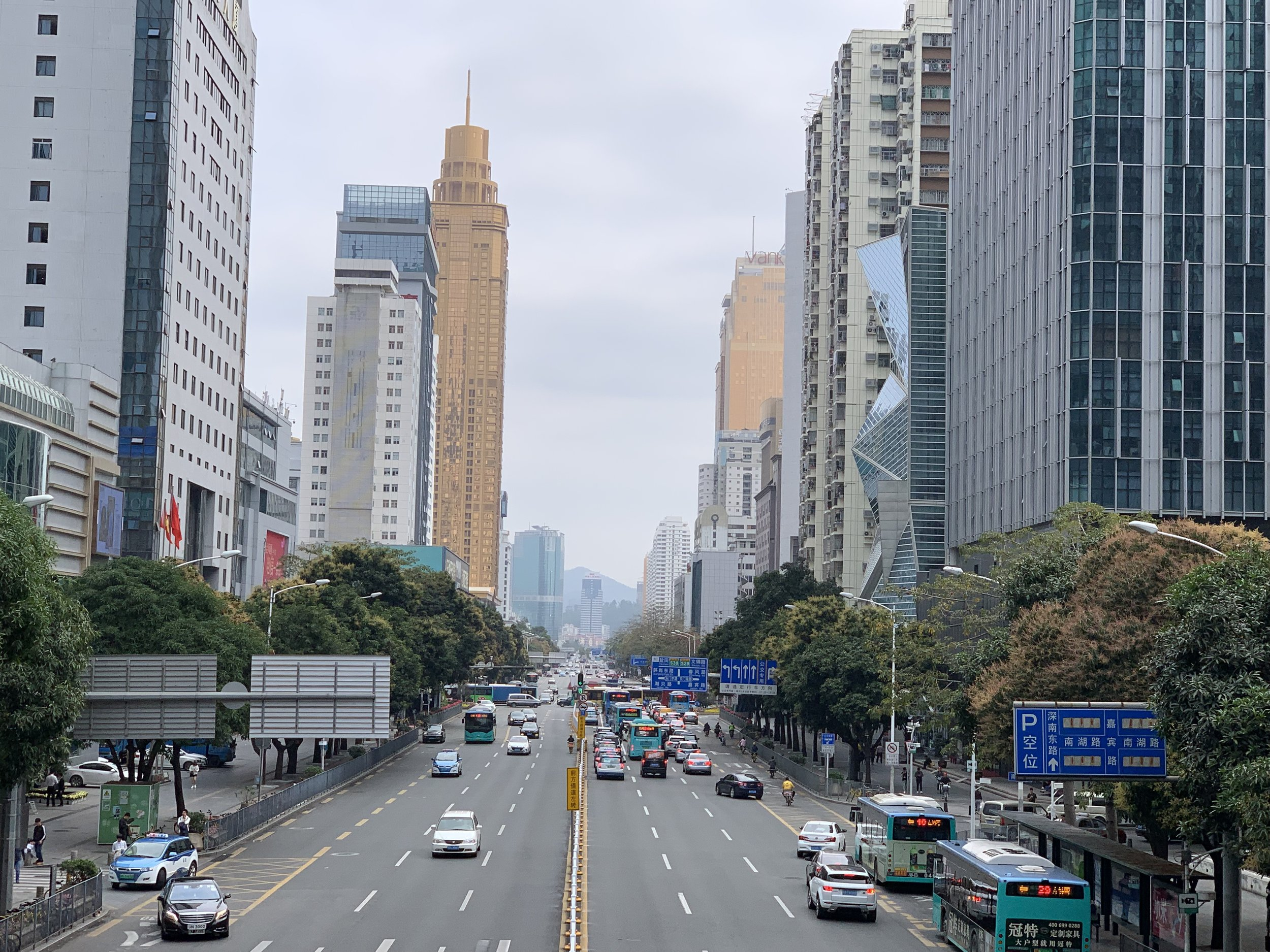 Shennan Avenue in 2019 in Shenzhen, China. Photo: (C) Remko Tanis