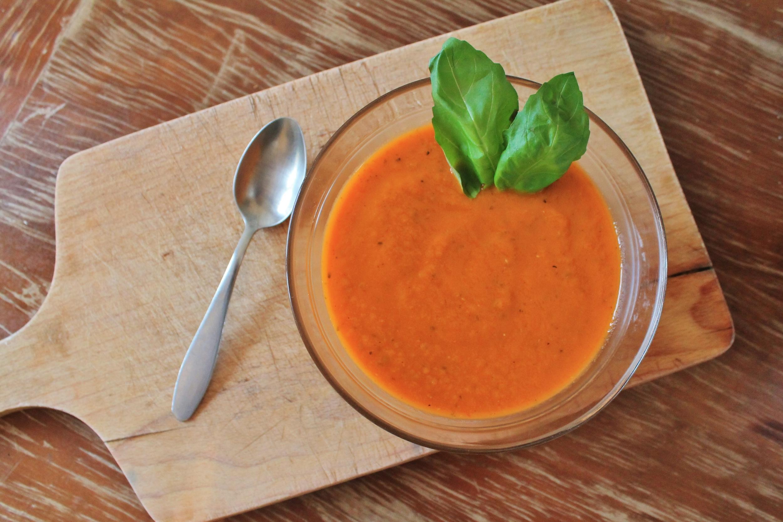 roasted garlic + tomato soup