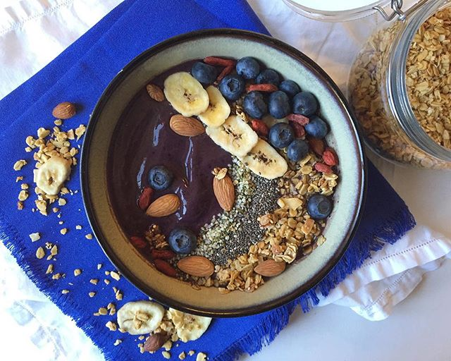 """Start your day off right with a healthy, homemade açaí bowl! Find the recipe on the blog under the Breakfast category or by searching """"acai bowl"""" 🍵"""