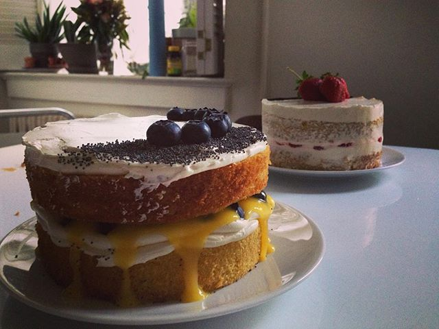My foray into wedding cake making up on the blog!