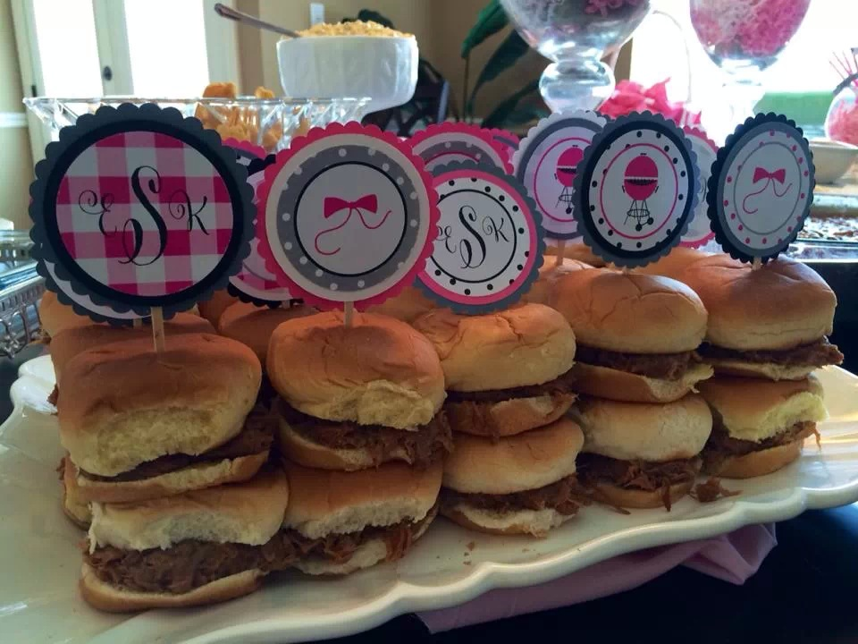 We love how they used the toppers in the sliders too!
